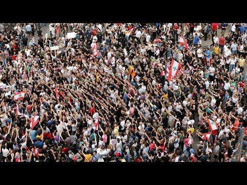 الاحتجاجات تجتاح لبنان وسط تصاعد الغضب من النخبة السياسية  - نشر قبل 2 ساعة