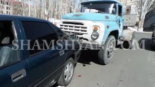 Շղթայական ավտովթար Երևանում  կցորդով ЗИЛ ը բախվել է կայանված Opel ին, իսկ Opel ը՝ Honda ին