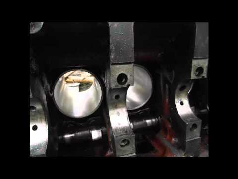 Холодный запуск двигателя трактора зимой - YouTube