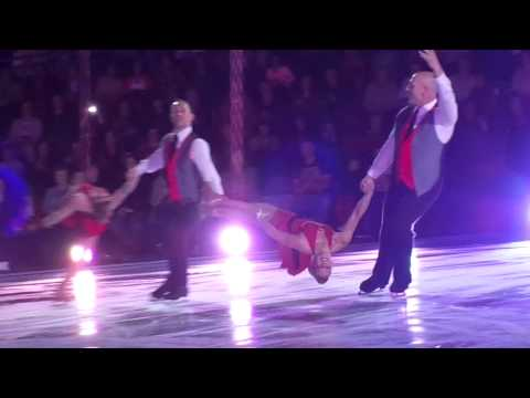 The Professionals On Ice Jodeyne, Sean, Alex & Lukasz 'Free Fallin'