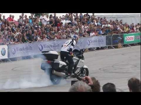 Chris Pfeiffer Stuntriding - BMW Motorrad Days 2012