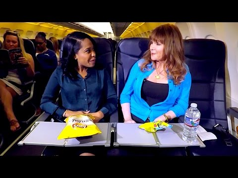 Travel Etiquette: 3 Basic Rules Eating on a Plane