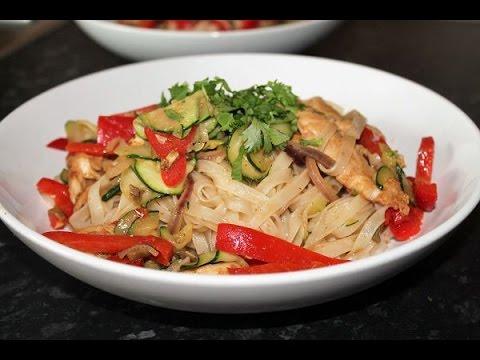 asiatische reisnudelpfanne rezept asian rice noodle. Black Bedroom Furniture Sets. Home Design Ideas