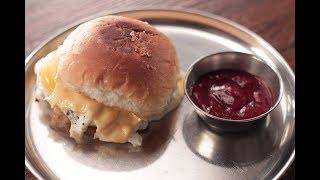 Omelette Burger | Sanjeev Kapoor Khazana
