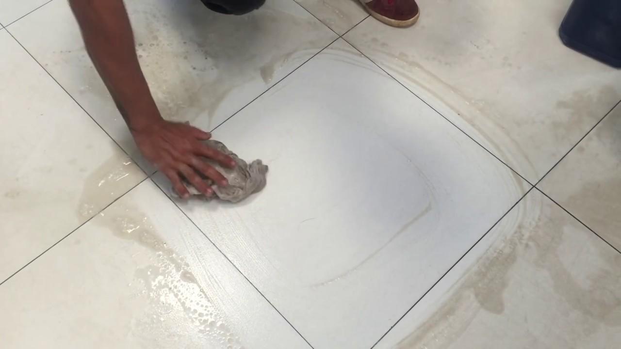 Como tirar manchas de pisos como limpar pisos - Como limpiar piso de parquet manchado ...
