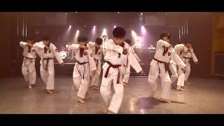 Taekwondo kết hợp K-pop nhảy EXO-Monster trên nền nhạc rock