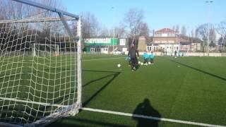 Dimiani Vianello en Voetbalschool Rick Hoogendorp