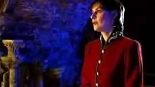 Enya - Oiche Chiuin - Silent Night - Videoclip with lyrics