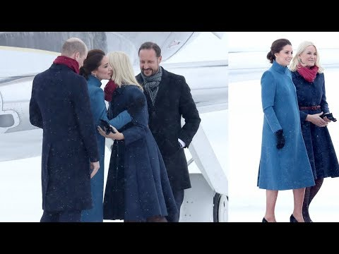 Crown Princess Mette-Marit and Prince William had matching scarves at their arrival to Oslo