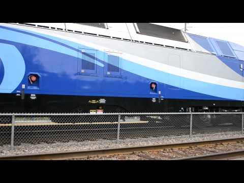 AMT COMMUTER TRAIN ARRIVES IN LAVAL - HYBRID LOCOMOTIVE