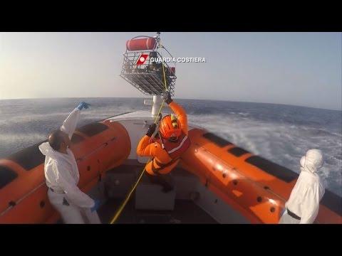Italian coastguard saves pregnant migrant at sea
