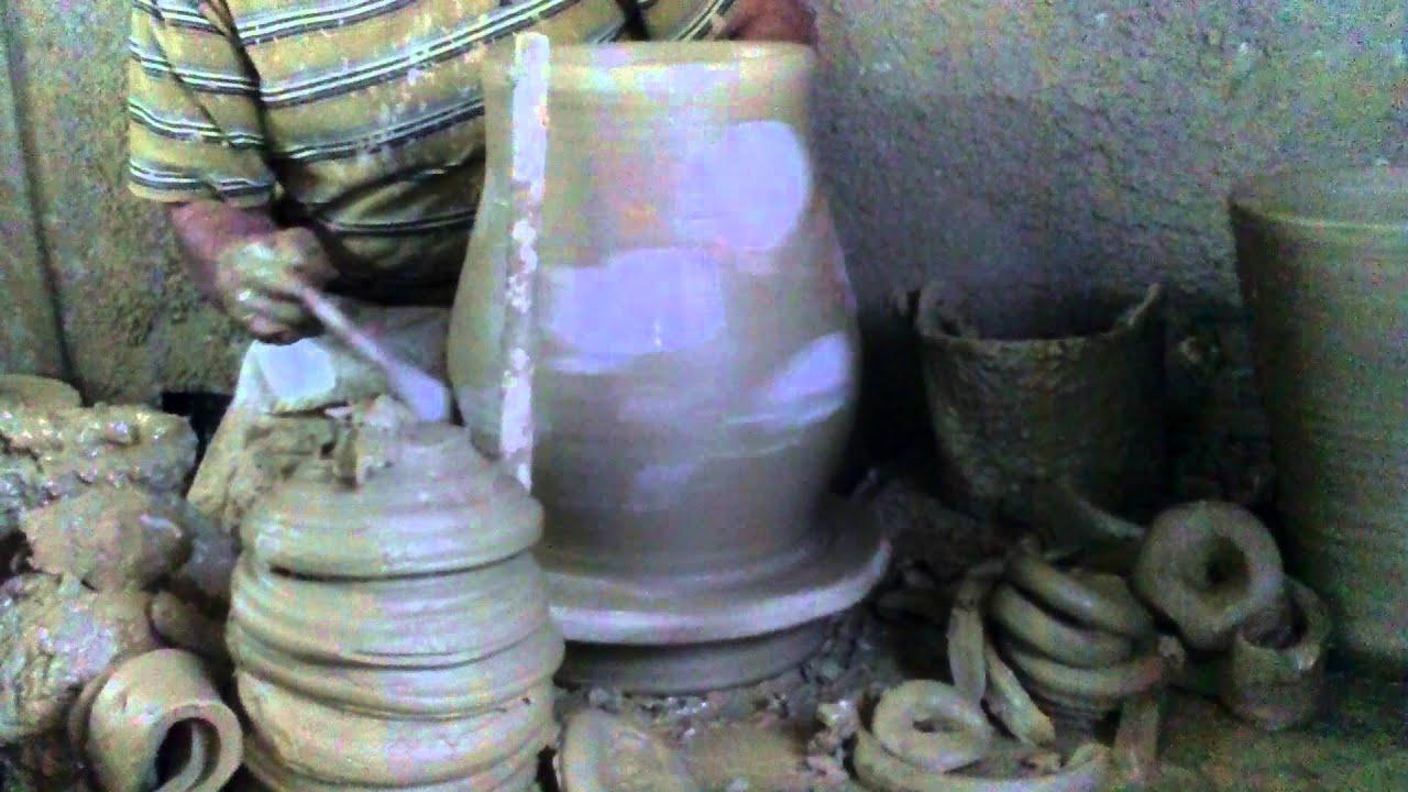 Pottery tinajas de barro de alfarer a el magnifico youtube - Como limpiar suelos de barro ...