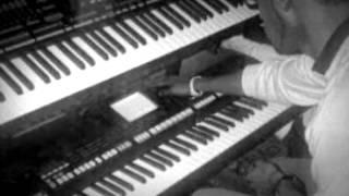 عزفي لاغنية على كثر العيون -عبدالسلام