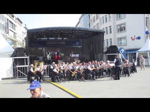 Brass band covers Abba