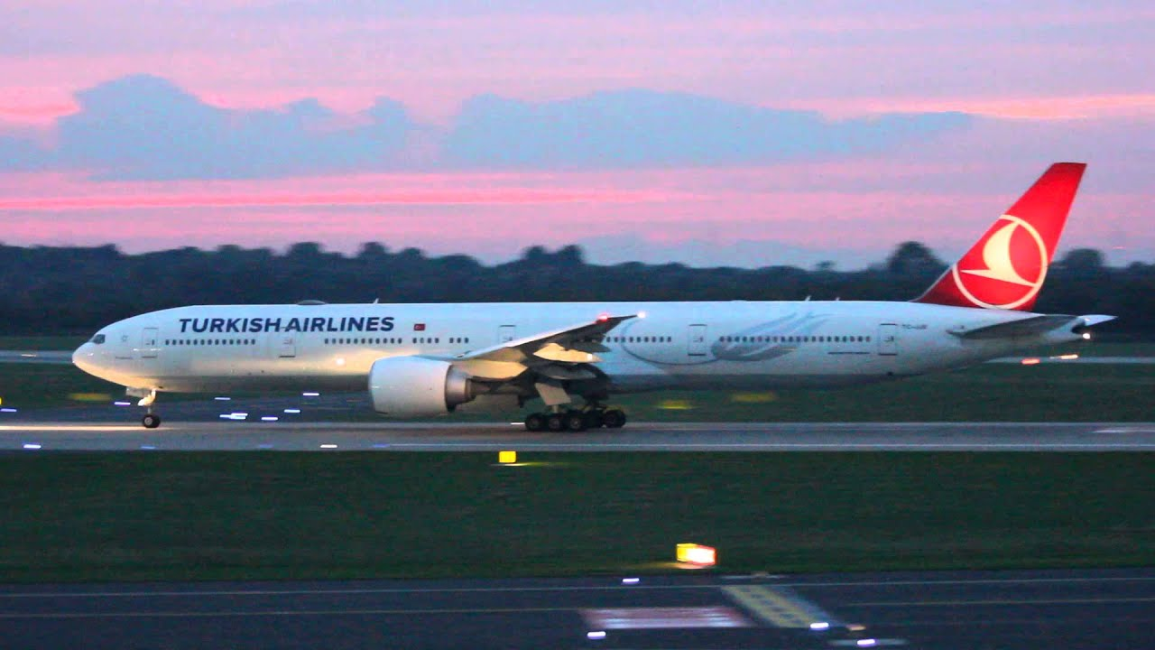 Airplane Full Hd Wallpaper Turkish Airlines 777 300er Take Off From Dusseldorf