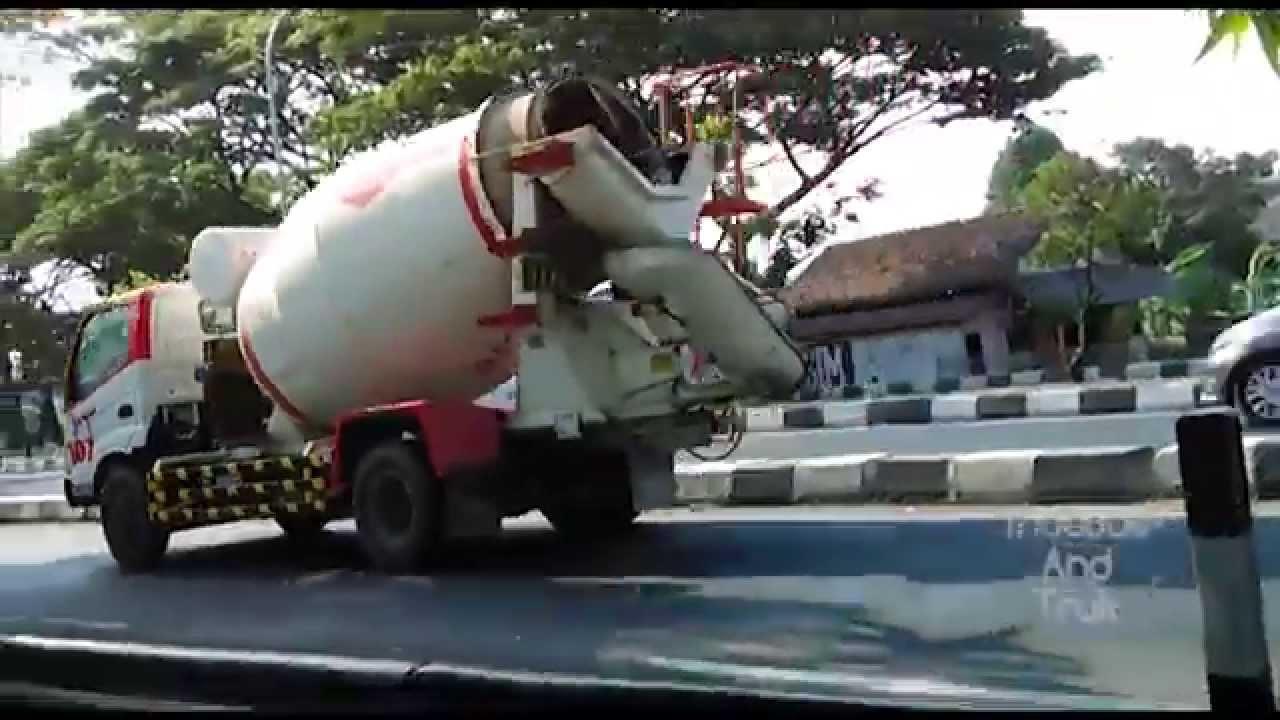 Compilation Mini Concrete Mixer Trucks [HINO Dutro] - YouTube