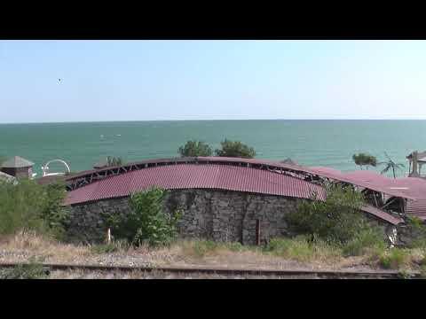 Махачкала и Каспийское море из окна поезда