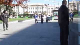 Repeat youtube video Amputee Walk with One Crutch