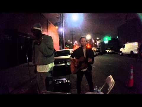 Homeless man sings and surprises everyone
