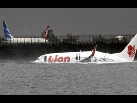 Tragedi pesawat Lion Air jatuh di Bali - Intens - YouTube