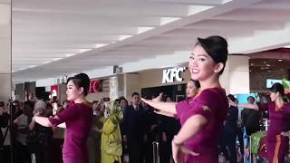 Download lagu Pramugari Sriwijaya Air & NAM Air Heboh Flashmob Di Bandara - 2019