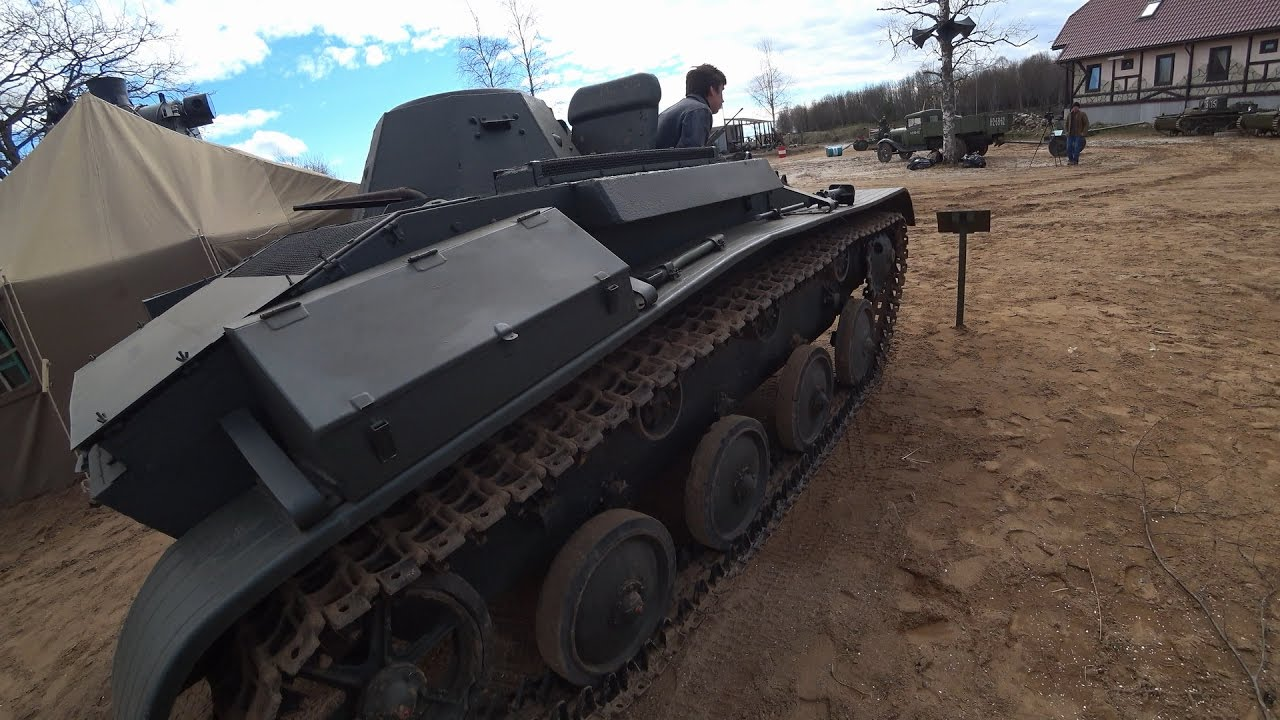 Про гаражики и военная техника.