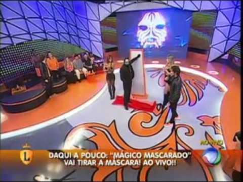 Mágico Mascarado atravessa espelho no palco do Legendários #arquivolegendários
