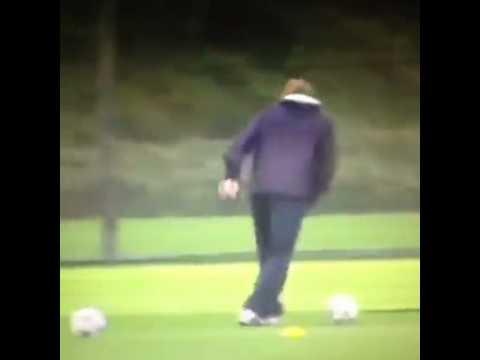 Arsene Wenger vs. Roy Hodgson