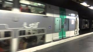 [RER A] Deux rames MI09 en UM (QAHA) et (TIKY) en gare de Val de Fontenay.