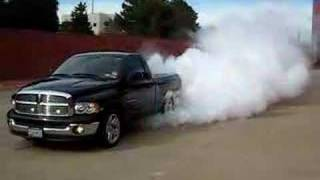 Video Dodge Ram Hemi Burn Out download MP3, 3GP, MP4, WEBM, AVI, FLV September 2018