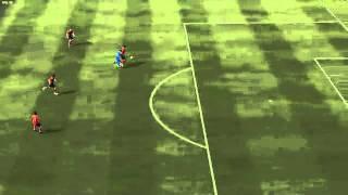 FIFA 12 - super scatto di pique