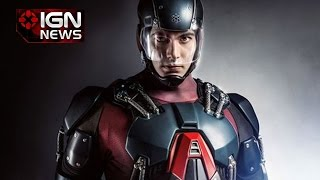 Arrow: First Photo of Brandon Routh in the Atom Costume - IGN News