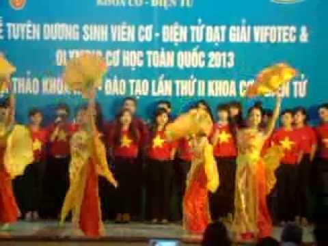 Hát múa: hãy đến với con người Việt Nam tôi