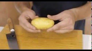Как быстро очистить вареный картофель для салата?