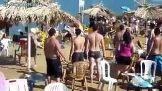 Extreme fight on the beach