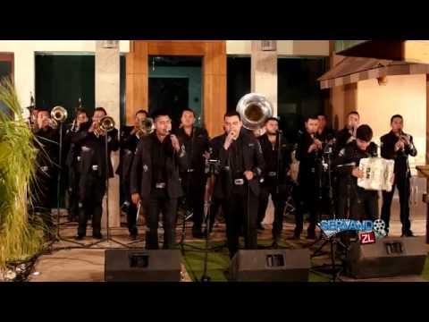Banda Renovacion - El Corrido Del 8 (En Vivo 2016)