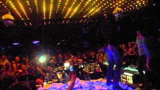 Azis-Kaji chestno ,live Mega dance