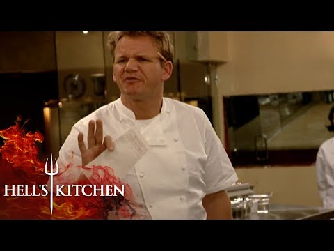 Forgetful Chef Tests Gordon's Patience   Hell's Kitchen