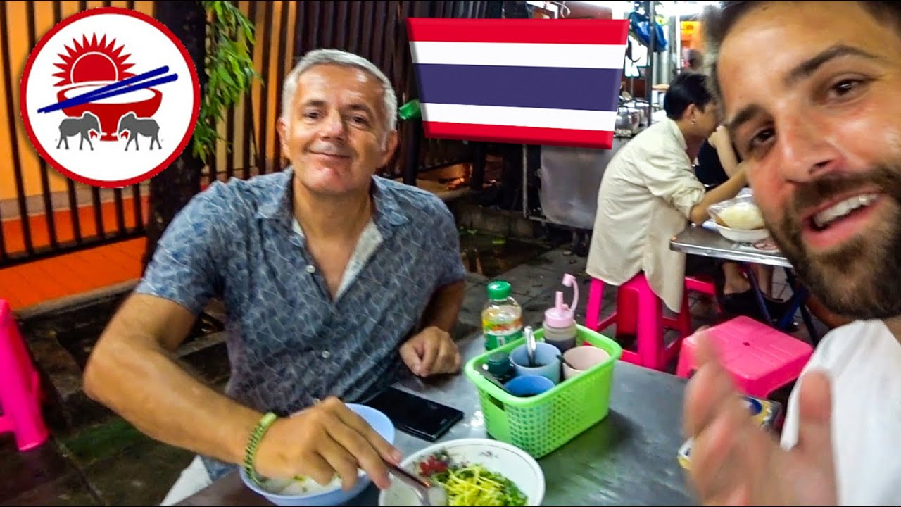 THAI STREET FOOD with BangkokAndMore - Khaosan Road road, Bangkok, Thailand
