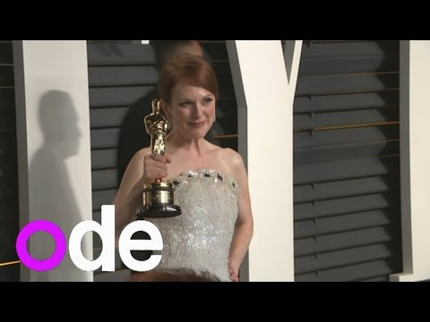 Vanity Fair Oscar party: Julianne Moore shows off Oscar on red carpet