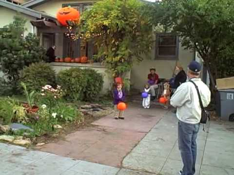 Halloween On Russell Street Youtube
