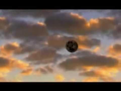 UFO Sucks Up Water From Lake  Gosford Australia 1994