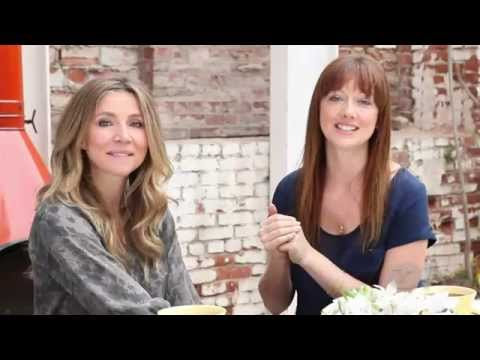 Judy Greer interviews Sarah Chalke - YouTube