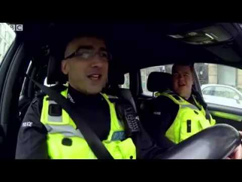 Gora UK Police man singing Punjabi Song