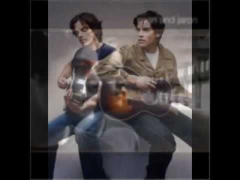 Evan & Jaron - On The Bus mp3
