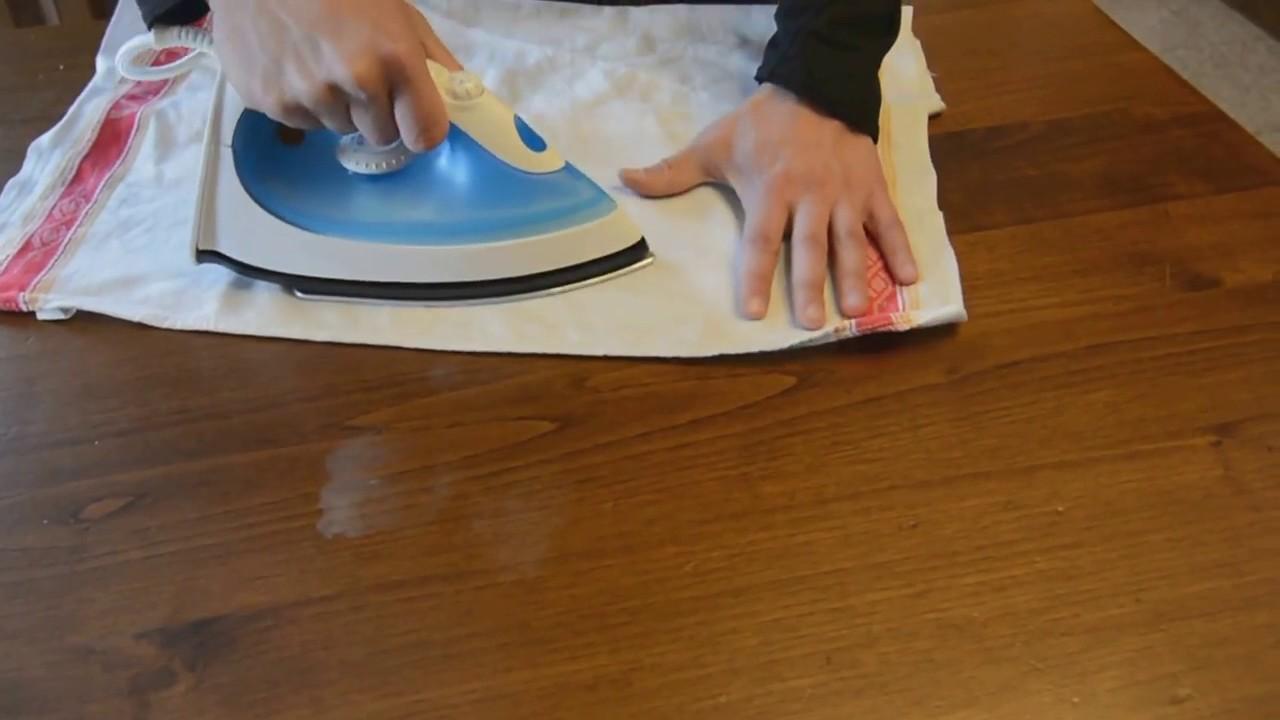 Stirare Sul Tavolo Di Legno.Eliminare Le Macchie Bianche Di Calore Dal Legno