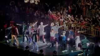 Taylor swift - 22 (the red tour live in ...