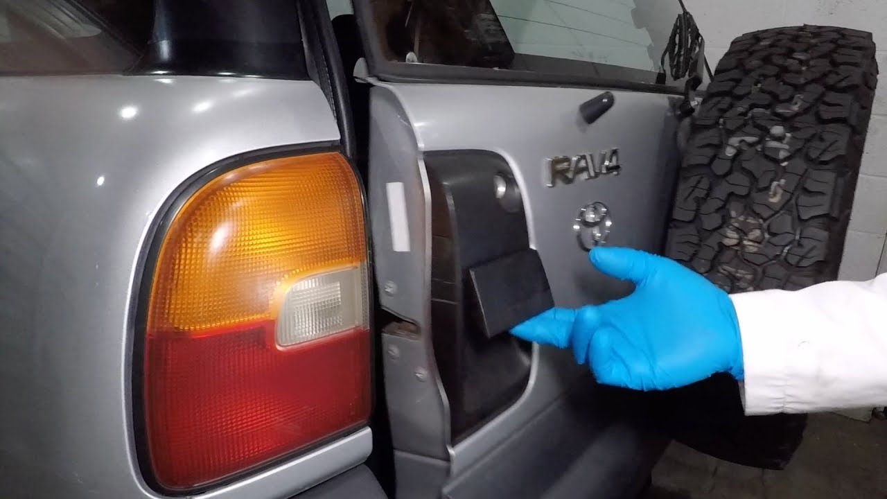 Fixing The Rattling Back Door 1997 Toyota Rav4 Episode 11 Youtube