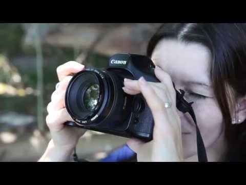 How to stand and hold a camera - basic DSLR photography tips