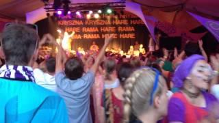 Acyuta Gopi Mataji - Woodstock 2014 - Mantra Joga